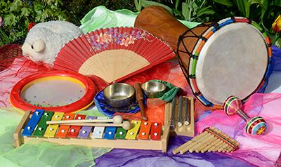 alle muziekinstrumenten bij elkaar